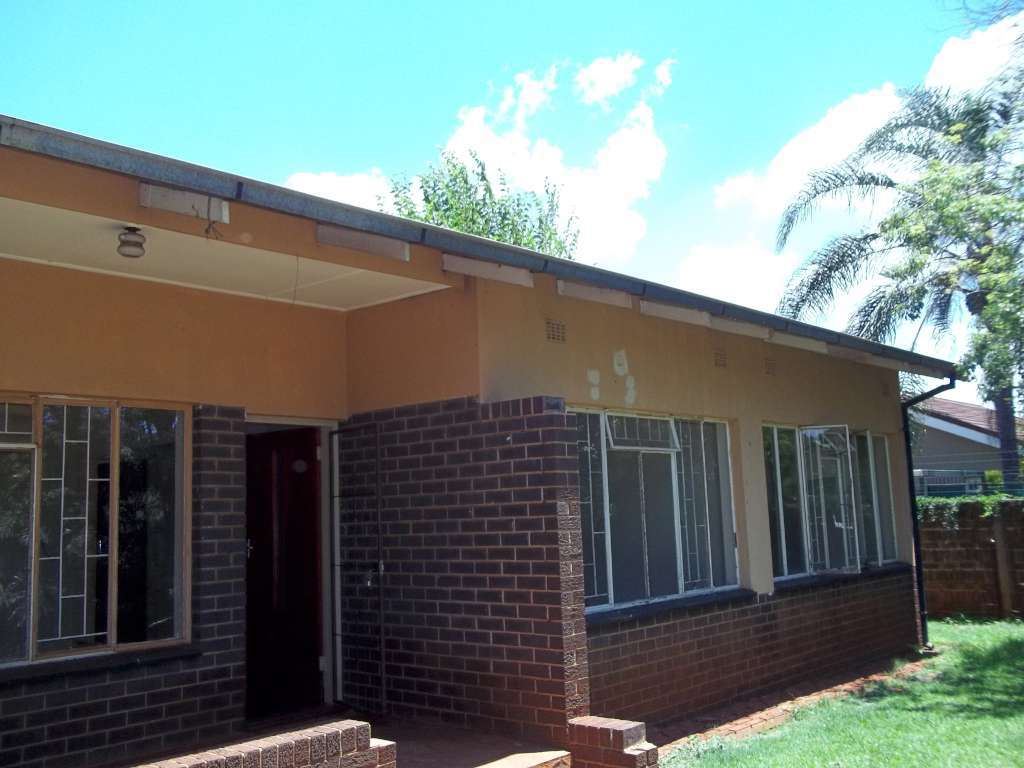 3 Bedroom House to rent – Annlin – Available 1 June 2019