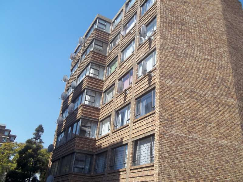 3 Bedroom 2 Bathroom Apartment to rent in Sunnyside